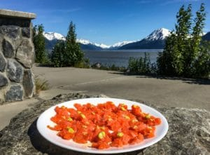 Lachs-Sashimi am Turnagain Arm in Alaska