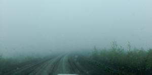 Top of the World Highway dichten im Nebel